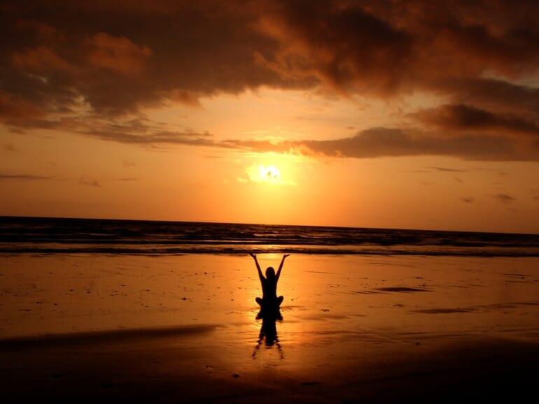 backlit-balance-beach-cloud